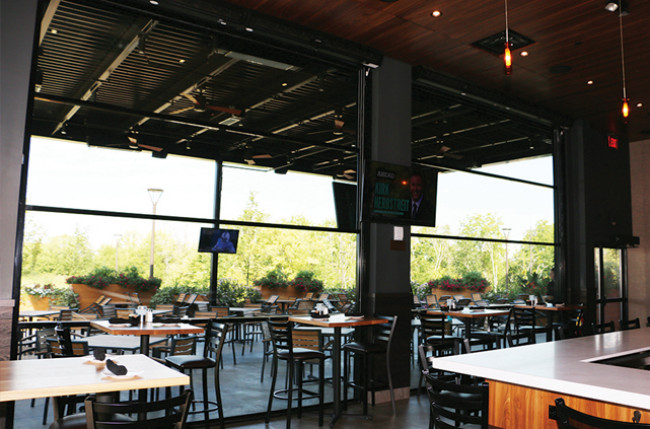 Restaurant Retractable Wall Project #2401 Image 4