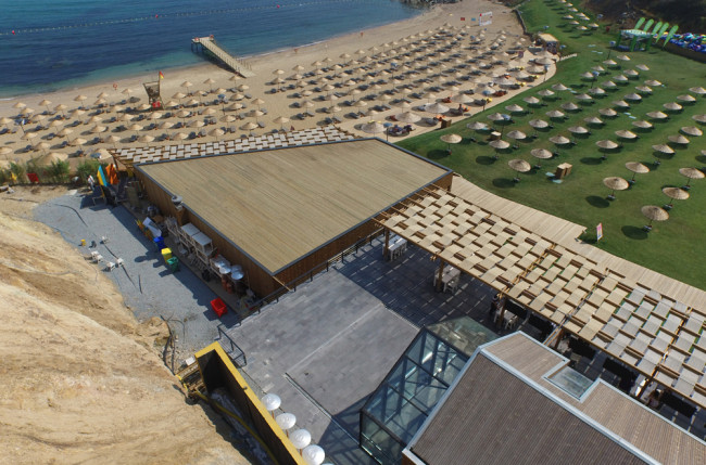 Beach Club Restaurant Retractable Roof Project #4921 Image 10