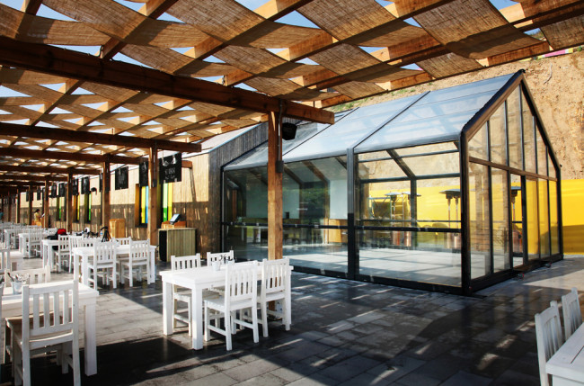 Beach Club Restaurant Retractable Roof Project #4921 Image 6